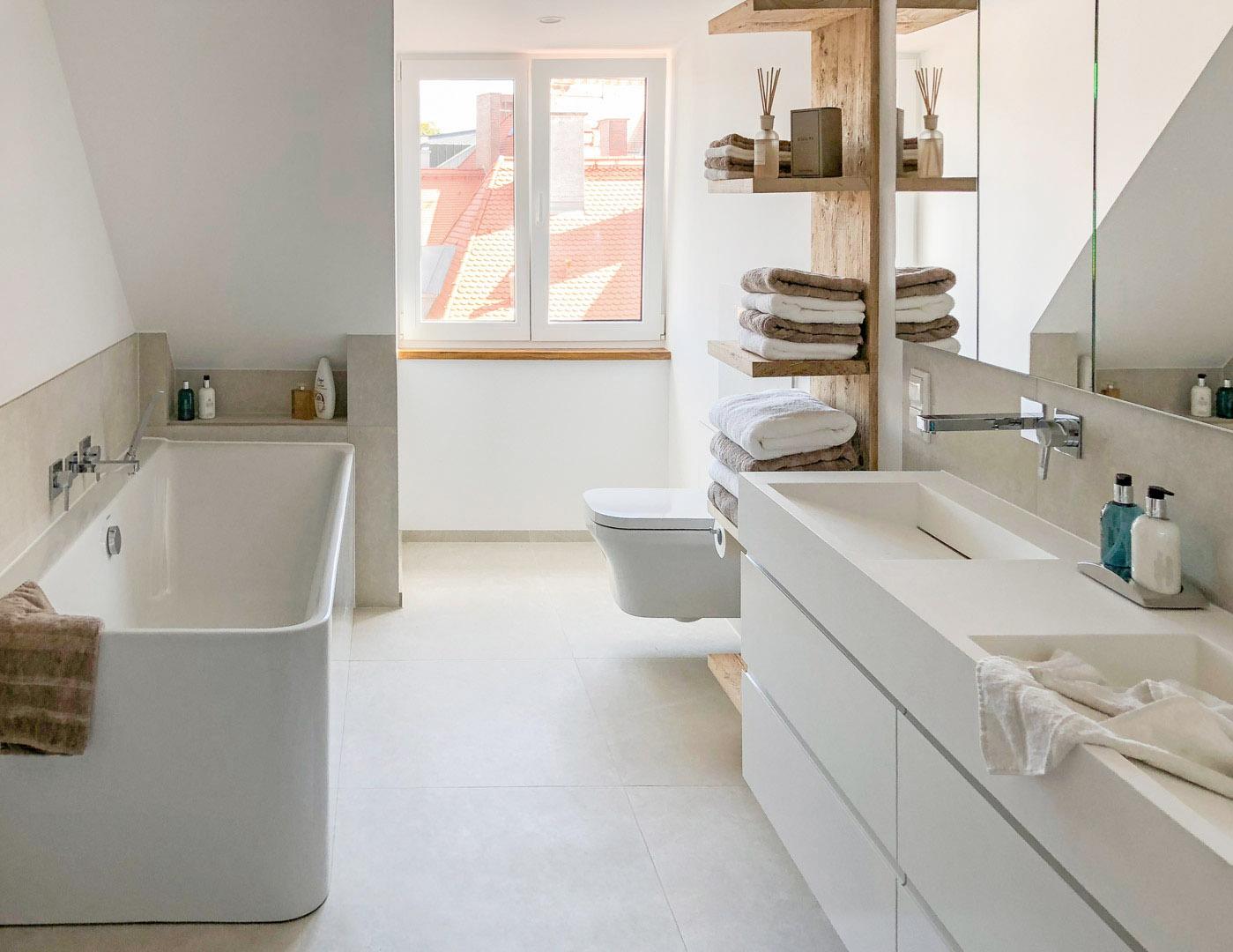 Badezimmer-Regal als Raumtrenner